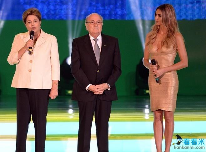 世界杯抽签女主持低胸装惊艳全场 曾与大罗传出绯闻(图)