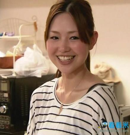 日本太太团私密照曝光 本田娇妻甜美香川女友气质(图)