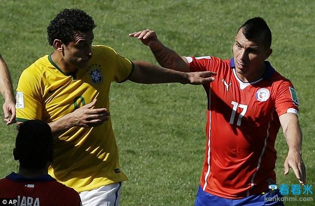 世界杯巴西1-1智利:斗士梅尔德泪洒球场 带伤上阵仍跑1万米
