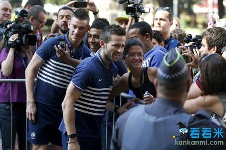 小巴黎助法国高奏凯歌 世界杯完美驻地惹西班牙媒体羡慕