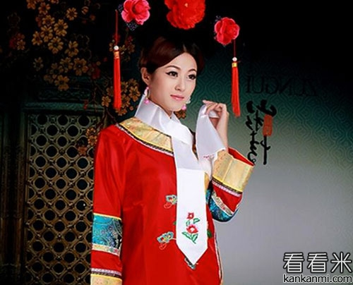 清史上唯一位份比侄女低的皇貴妃