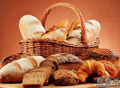 90后女大学生卖面包送货上门的故事